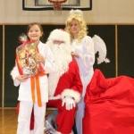 Sw. Mikołaj odwiedził nasz klub (139)