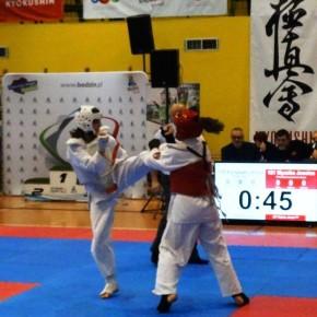 19 medali zdobytych podczas Ogólnopolskiego Turniej Karate Kyokushin w Będzinie.